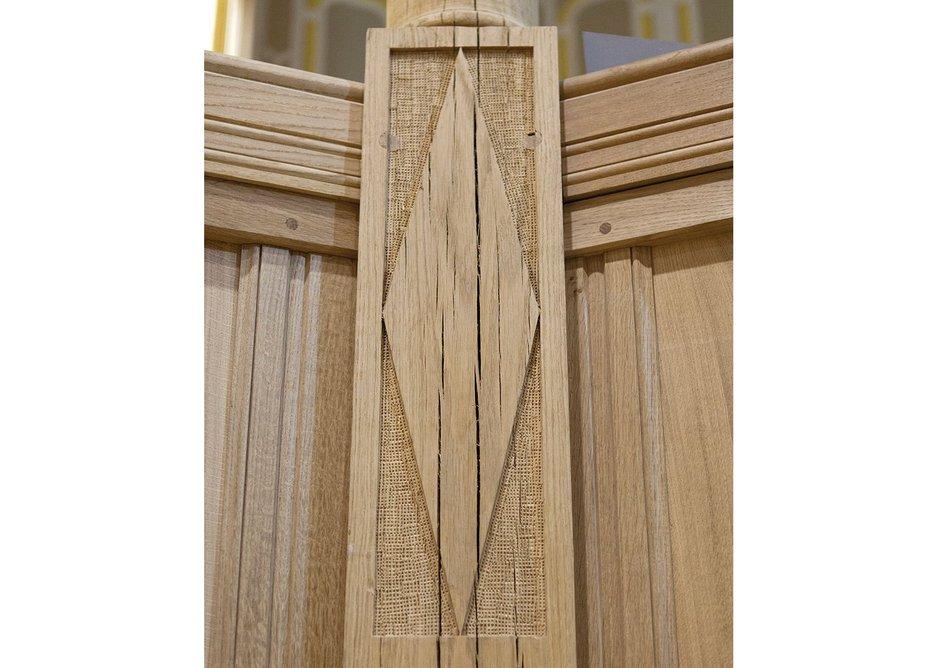 Larger elements of oak were unseasoned.