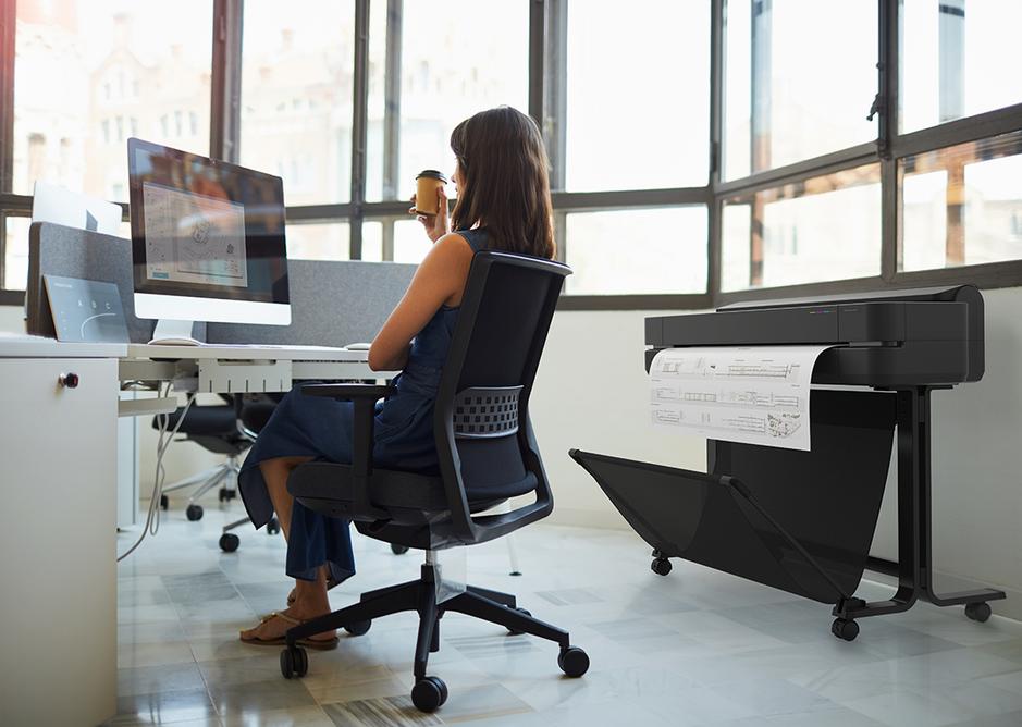 HP DesignJet T650 large format plotter printer.