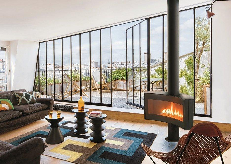 Award-winning Curvifocus fireplace.