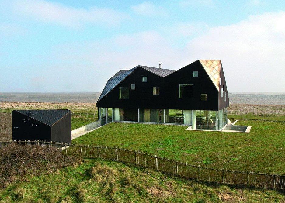 Dune House in Suffolk by Jarmund/Vigsnæs Architects