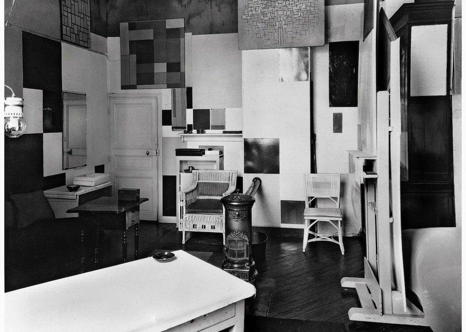 Mondrian's Paris studio in 1926.