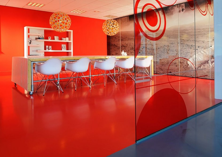Arturo floors are available in any RAL or NCS colour range.