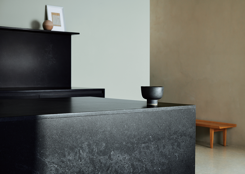 5810 Black Tempal 3: Black charcoal base with soft mineral deposits and warm whites.