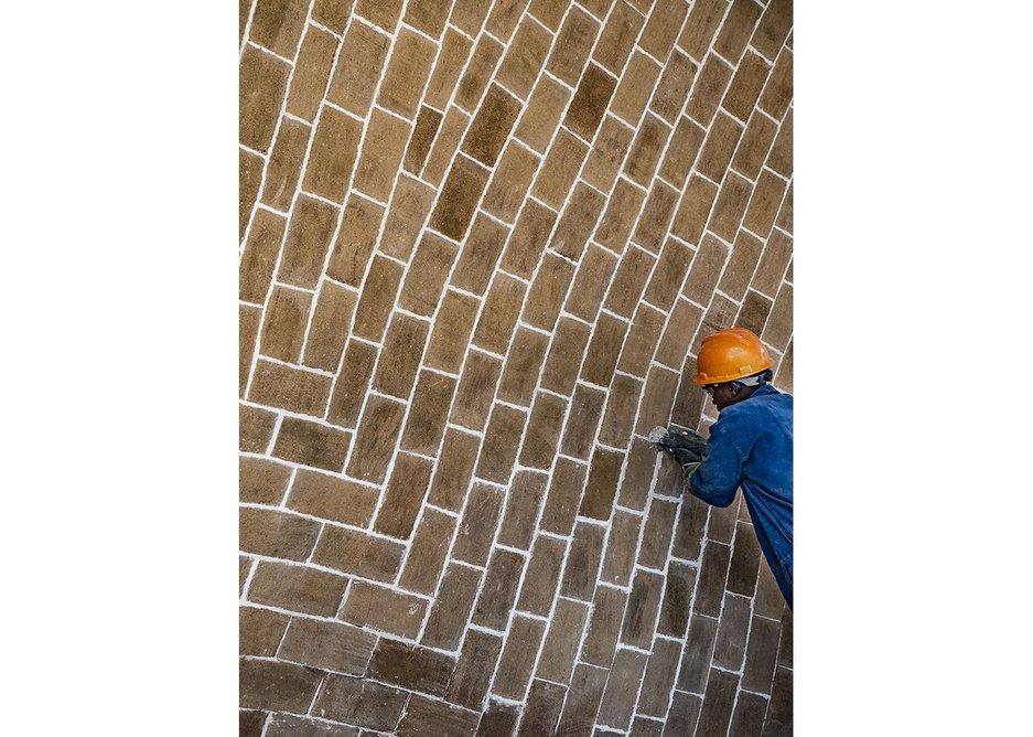 The tile vault under construction.