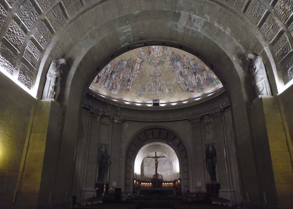 The transept and cupola where Franco and Rivera are interred, and apse beyond.