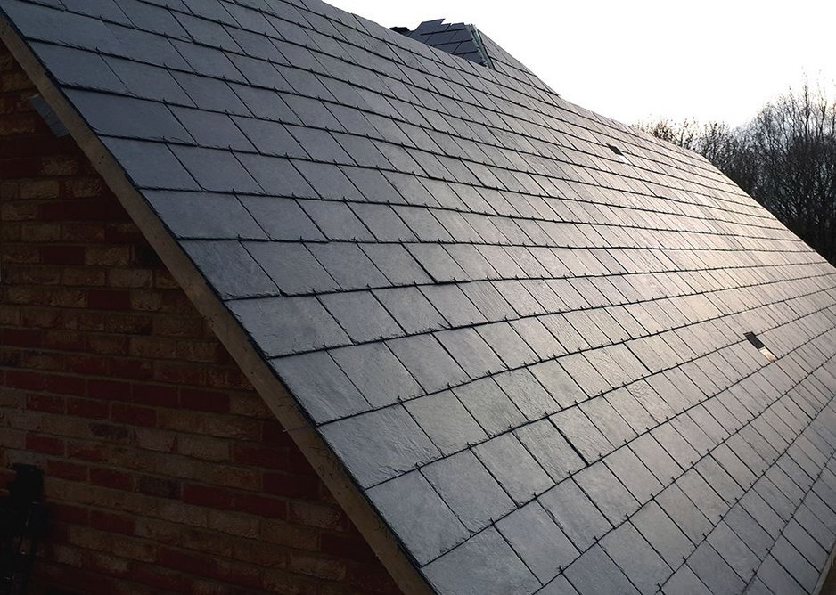 Neat and tidy: when looking for design flexibility and roof pitches down to 25 degrees, hooking is the ideal method.