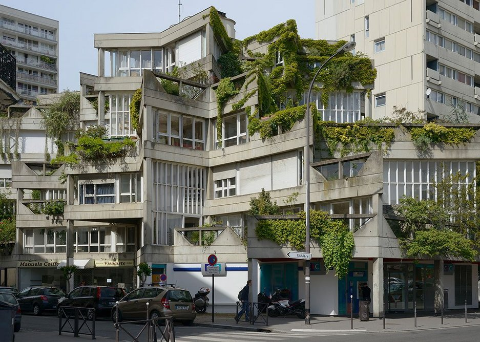 Les Etoiles of Ivry-sur-Seine, designed by Jean Renaudie in collaboration with Renée Gailhoustet. The building pictured is the Jean-Baptiste Clement block completed in 1975.
