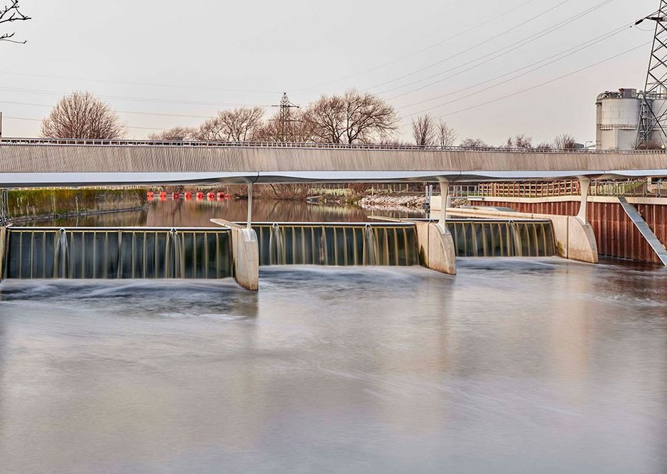 Industry, engineering and architecture combined – Knostrop Bridge hops across the new flood weirs.