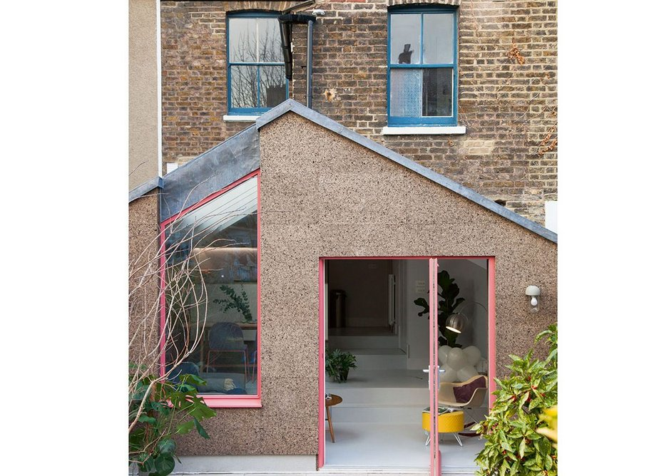The twinning of cork and pink window frames has made  this extension a hit for nimtim in the media and on social media.