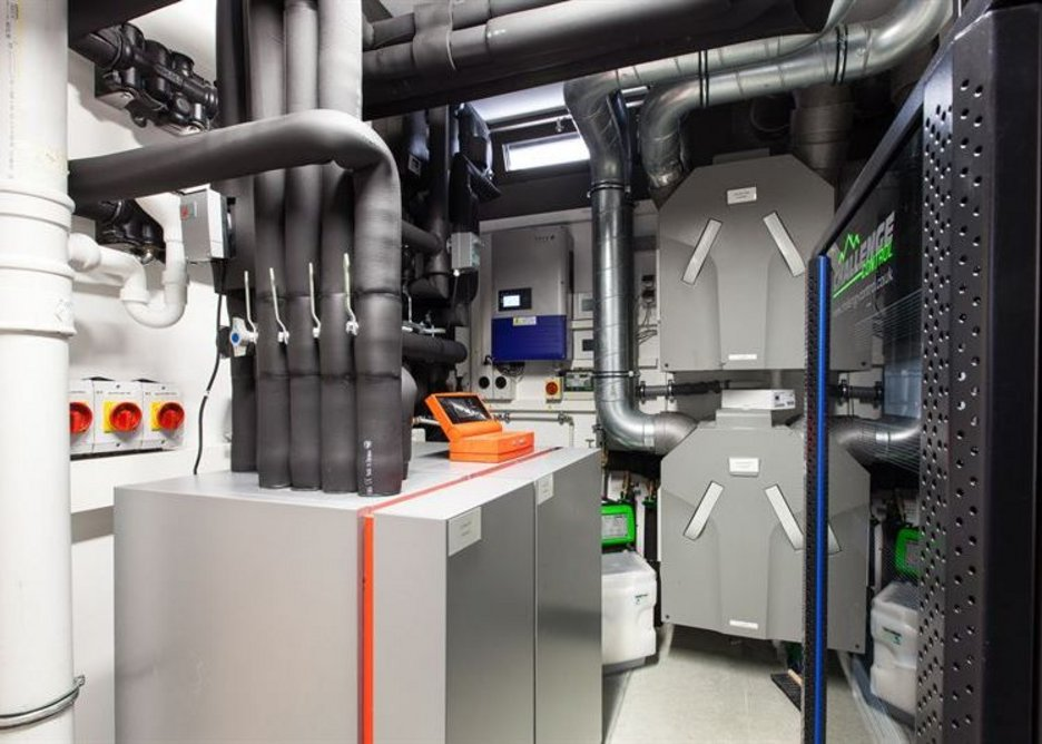 The heat pump extracts energy.