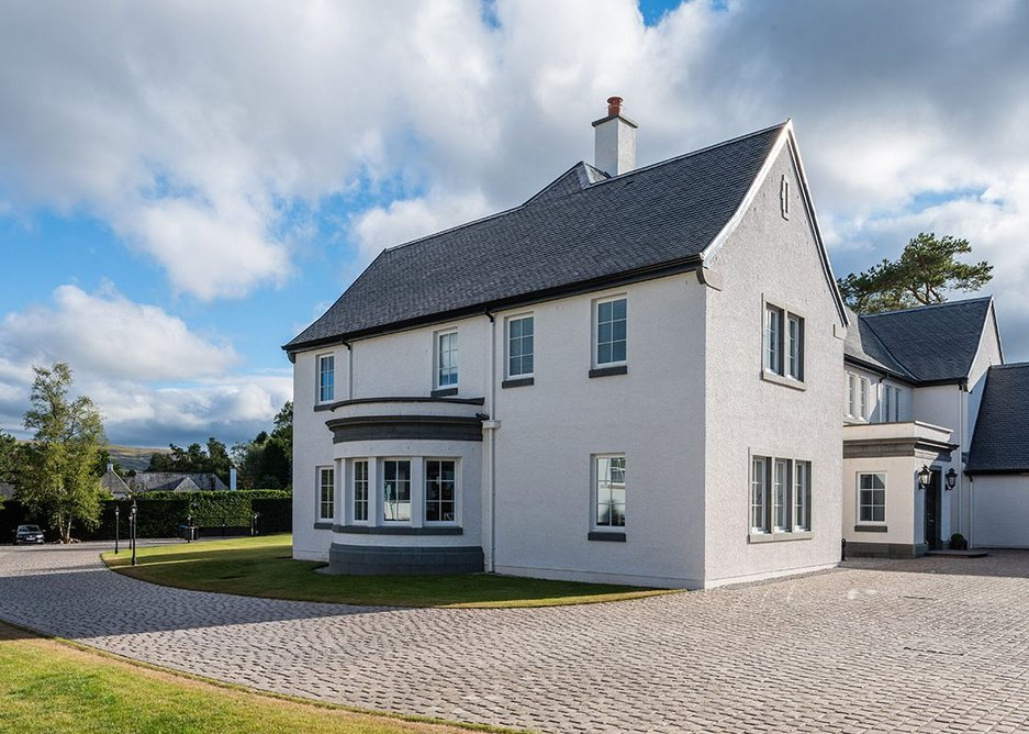 Cupa Pizarras Heavy 3 natural slate: Thicker natural slate is needed to protect buildings from dampness through capillarity and from the high winds that prevail in some parts of Scotland.