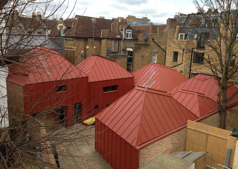Tin House by Henning Stummel Architects.