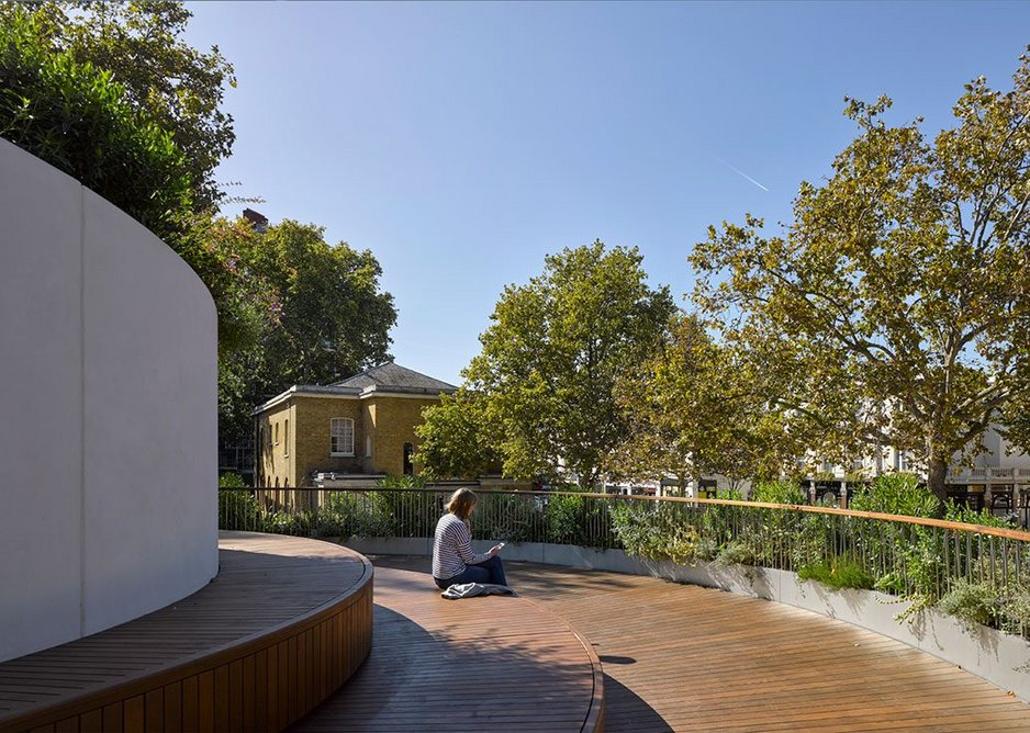 On the roof garden, visitors can enjoy the view into the canopy of tree.