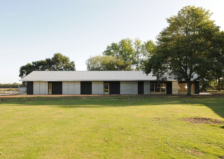 Holton Studios, Holton le Clay.