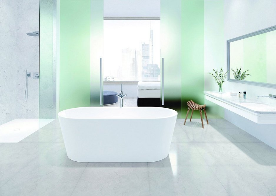 The Meisterstück Classic Duo Oval freestanding bath pairs perfectly with the Classic round undercounter washbasin.