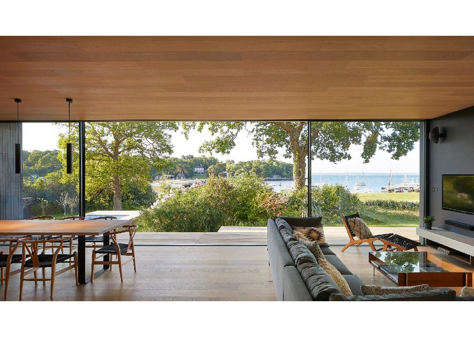 Every room in the house is situated to maximise the views to the north.