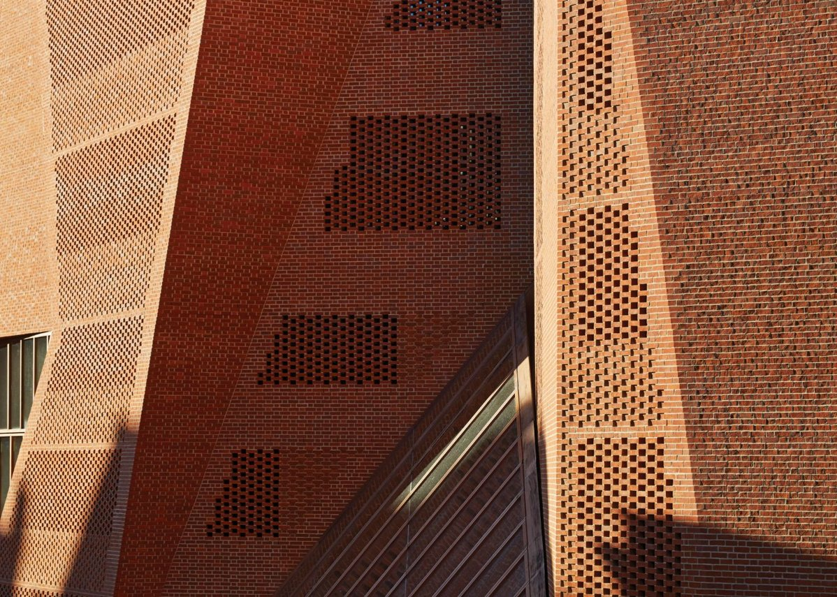 Supreme Award: LSE Saw Swee Hock Student Centre, O'Donnell + Tuomey