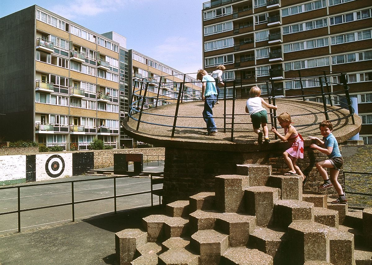 Churchill Gardens Estate, archive image. Credit John Donat - RIBA Library Photographs Collection)