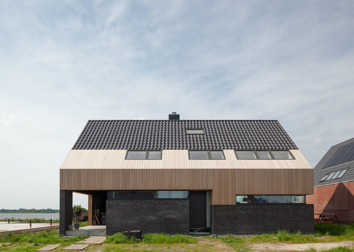 This Side Up has been designed as an earthquake-proof house in the new district of Meerstad.