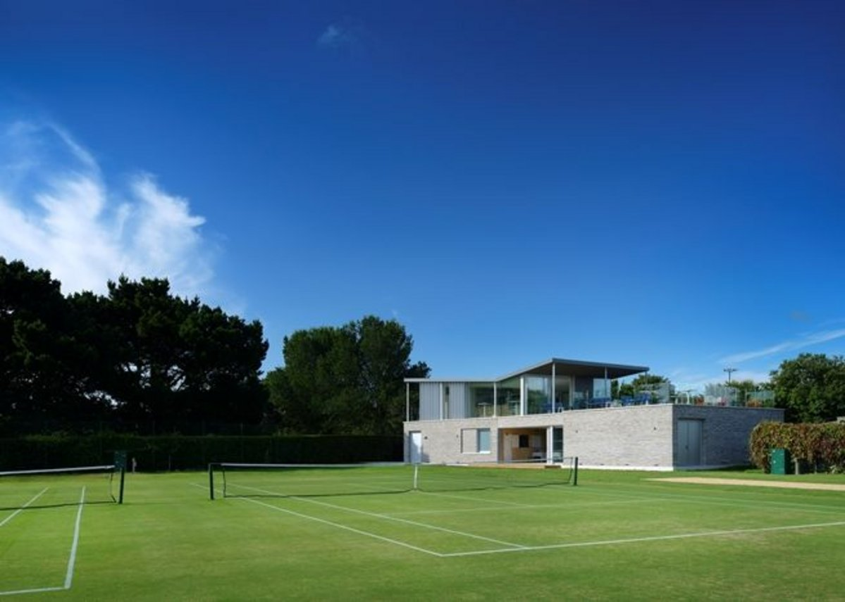 Canoe Lake Leisure Tennis Pavilion