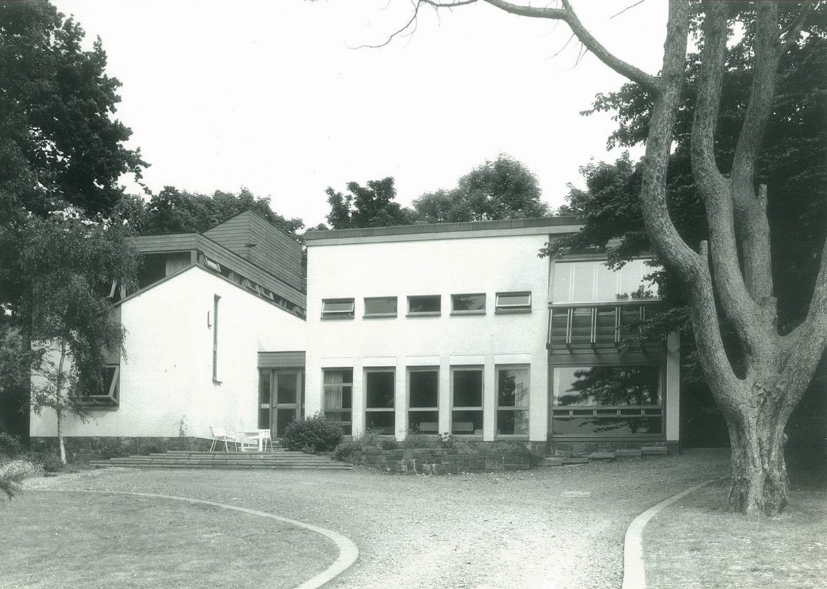 The family house Outlook which Ian Campbell designed at Marino in 1960