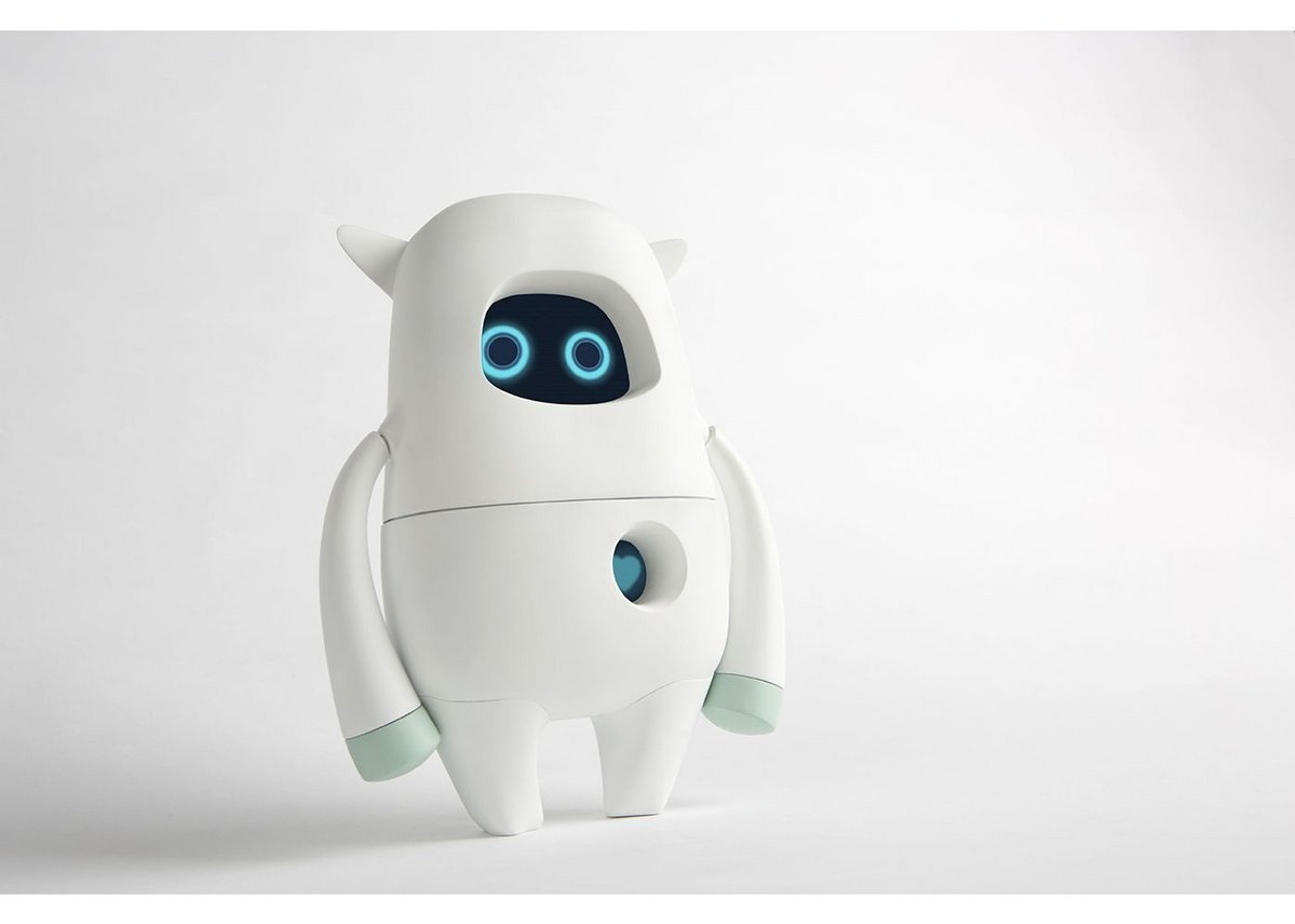 Musio K educational robot by AKA.