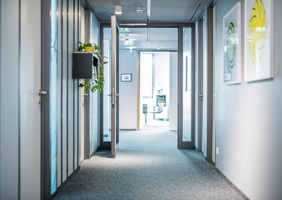 ASSA ABLOY launches white paper on specifying door ...