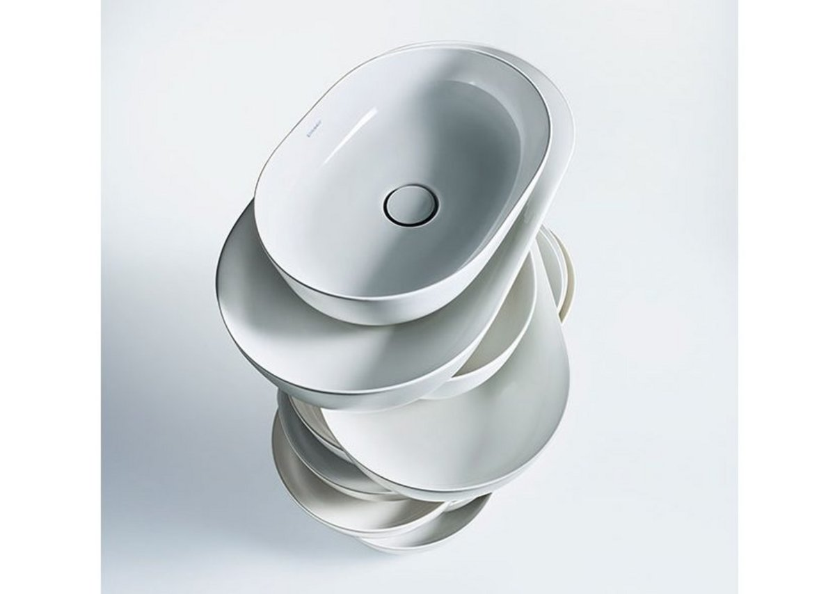 Luv above-the-counter basins are made of DuraCeram, a material that can be used to create particularly precise edges.