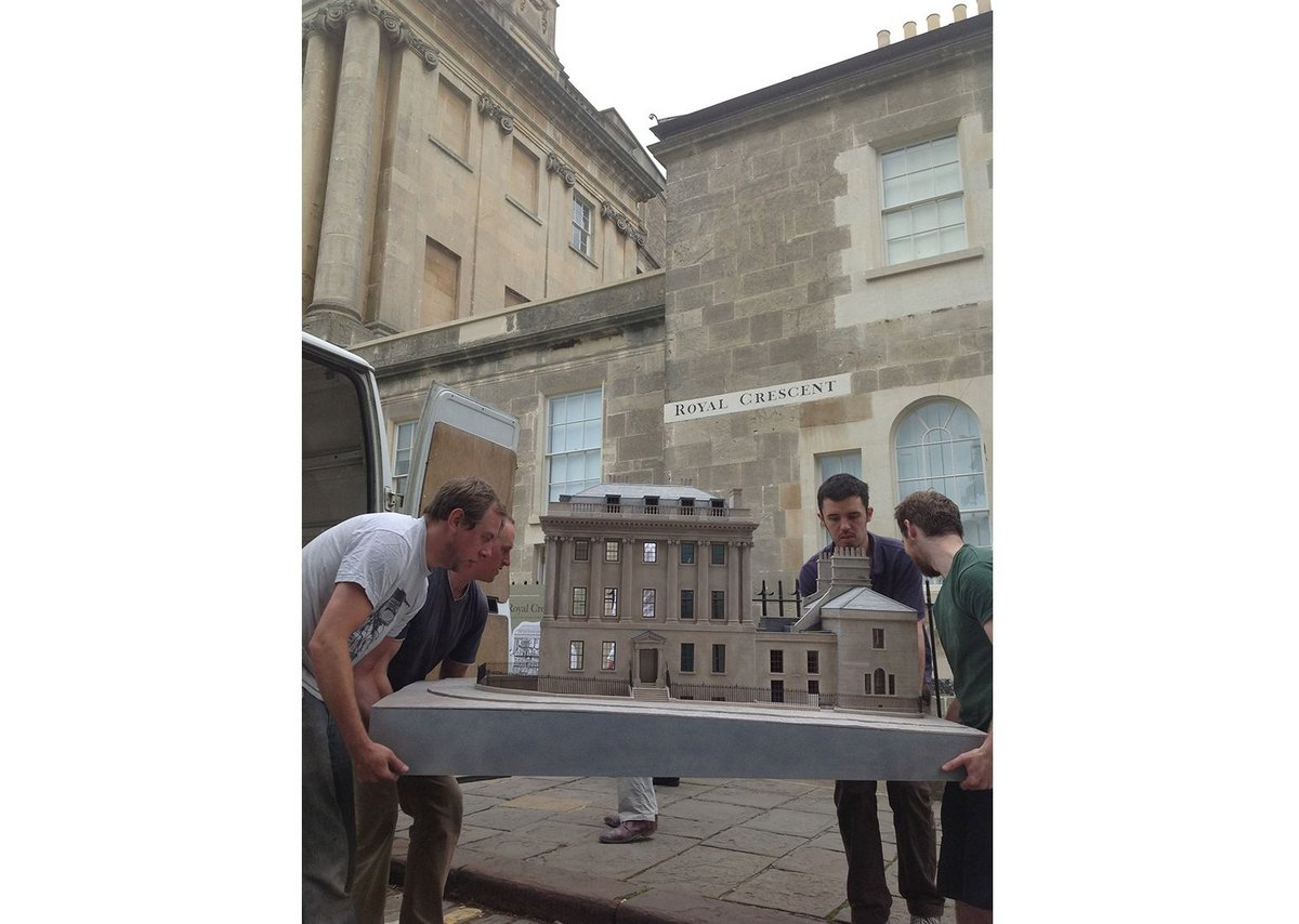 Models arriving at No.1 Royal Crescent.