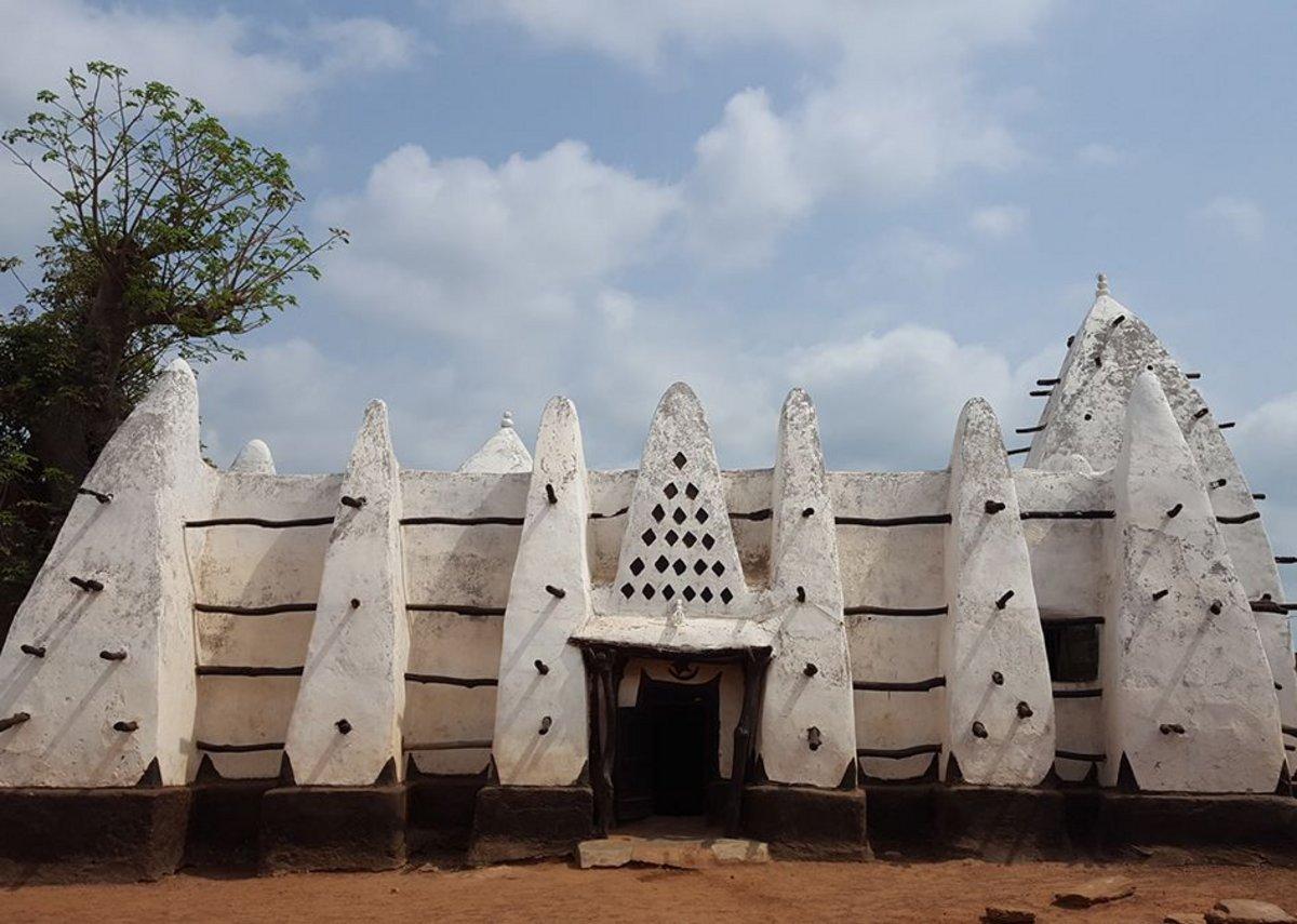 The nearby mosque at Larabanga inspired the decorative timber and plasterwork at Zaina Lodge.