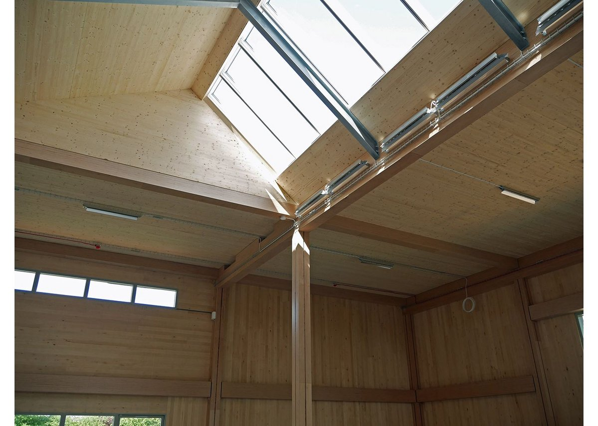 Northlights use the Foster-designed Velux skylight system.