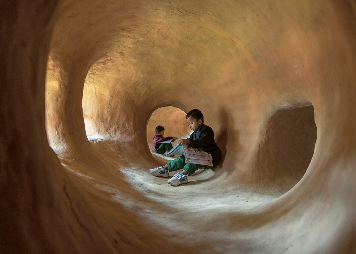 At Anandaloy, teaching rooms are connected via tunnels to mud-lined 'sensory spaces'.