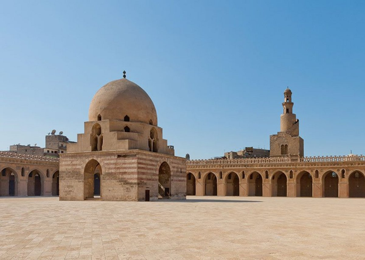 Ibn Tulun Mosque, Cairo, Egypt (879),  The Ibn Tulun Mosque, Cairo, Egypt (879). One of many examples use to illustrate cross-cultural flows, with its design deriving from an earlier mosque in Samaria.