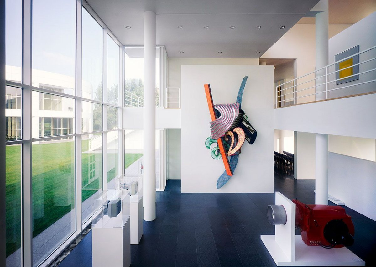 Richard Meier's Weishaupt Forum in Germany (1989-1993), with Frank Stella artwork on the wall. Courtesy Richard Meier & Partners Architects.