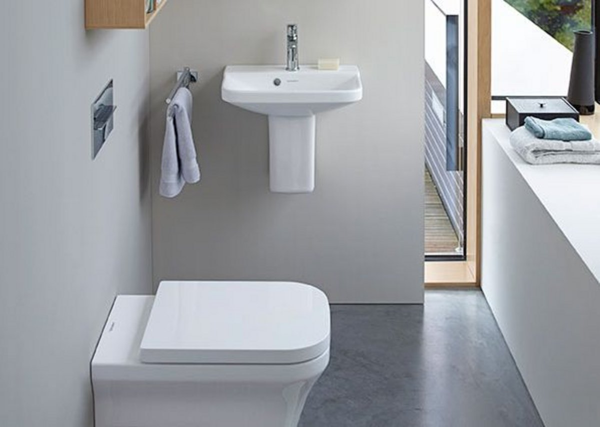 The design of the toilet and bidet blends in seamlessly  with the style of the washbasins. Additional width makes  sitting noticeably more comfortable.