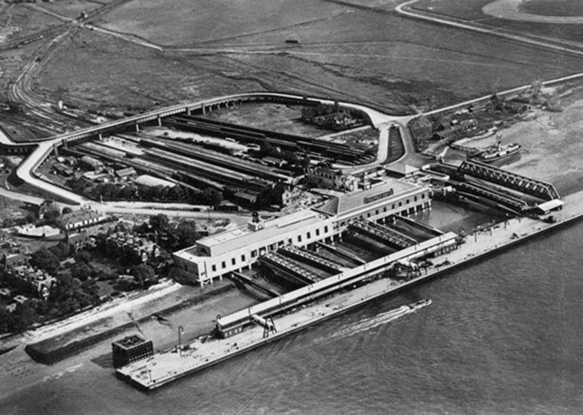 Tilbury Cruise Terminal, 1930s venue of Estuary 2016's Points of Departure exhibition.