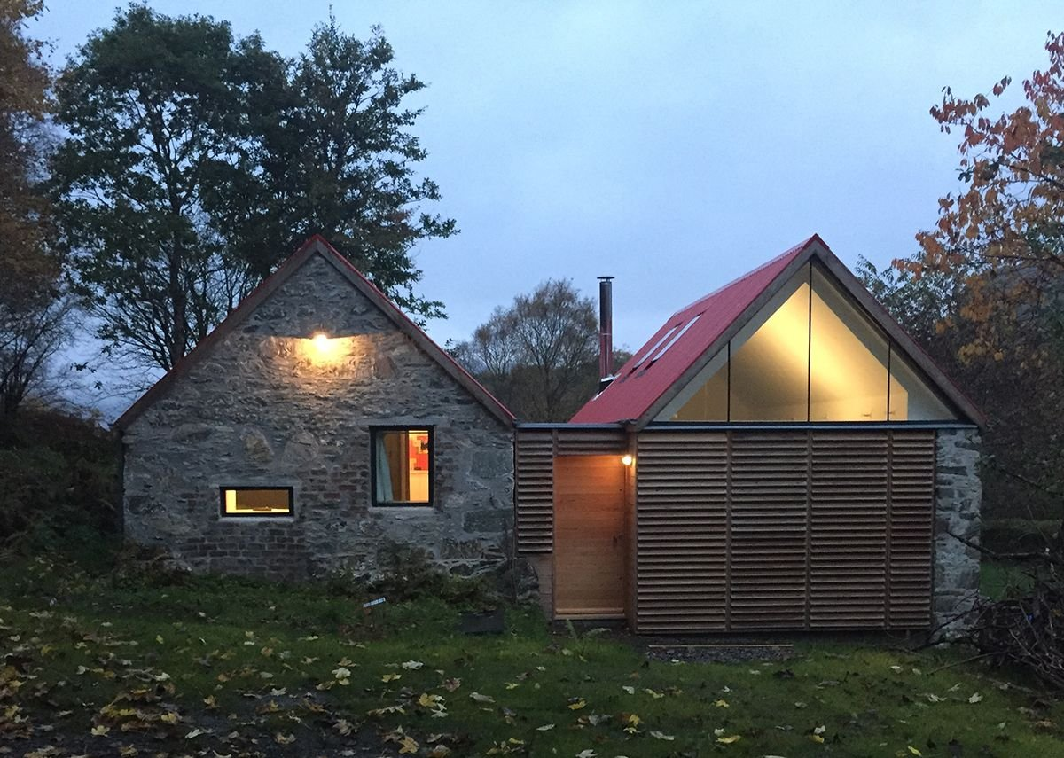 Fernaig Cottage, south elevation, Scampton and Barnett Architects.