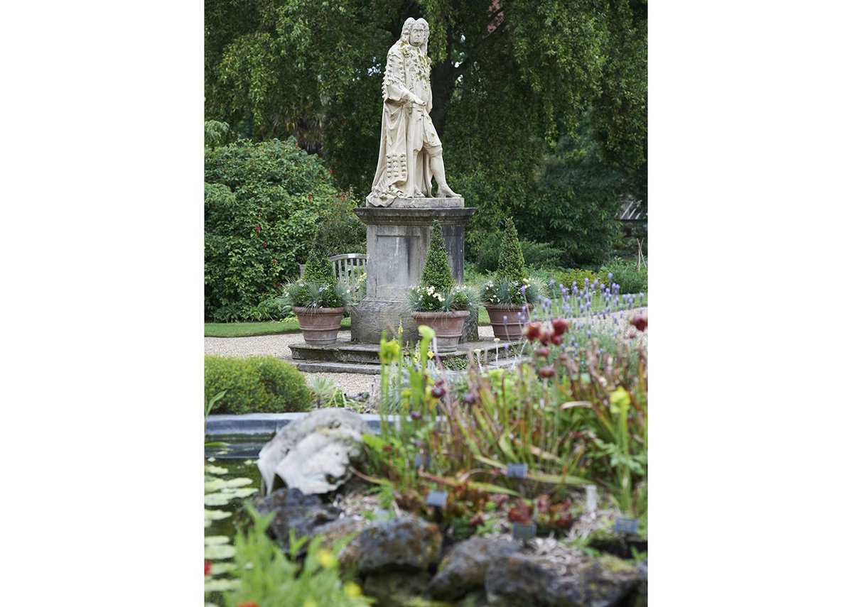 Maggie's Culture Crawl venue – Sloane Statue at Chelsea Physic Gardens.