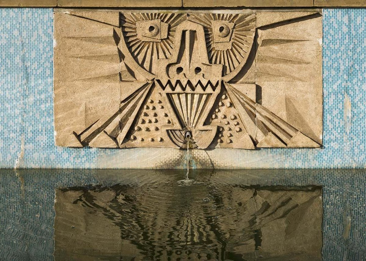 Harlow's Water Gardens:  Detail of Seven reliefs mosaics (1963) by William Mitchell.