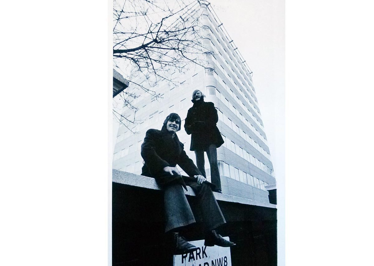 Terry Farrell and Nicholas Grimshaw in front of the Park Road flats, designed by Farrell/Grimshaw Partnership in 1970.
