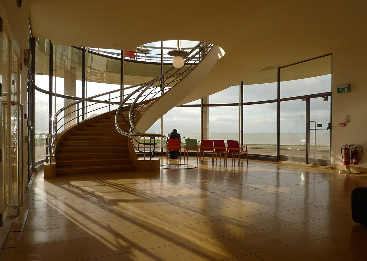 1935 Erich Mendelsohn and Serge Chermayeff, De La Warr Pavilion, Bexhill-on-Sea, East Sussex.