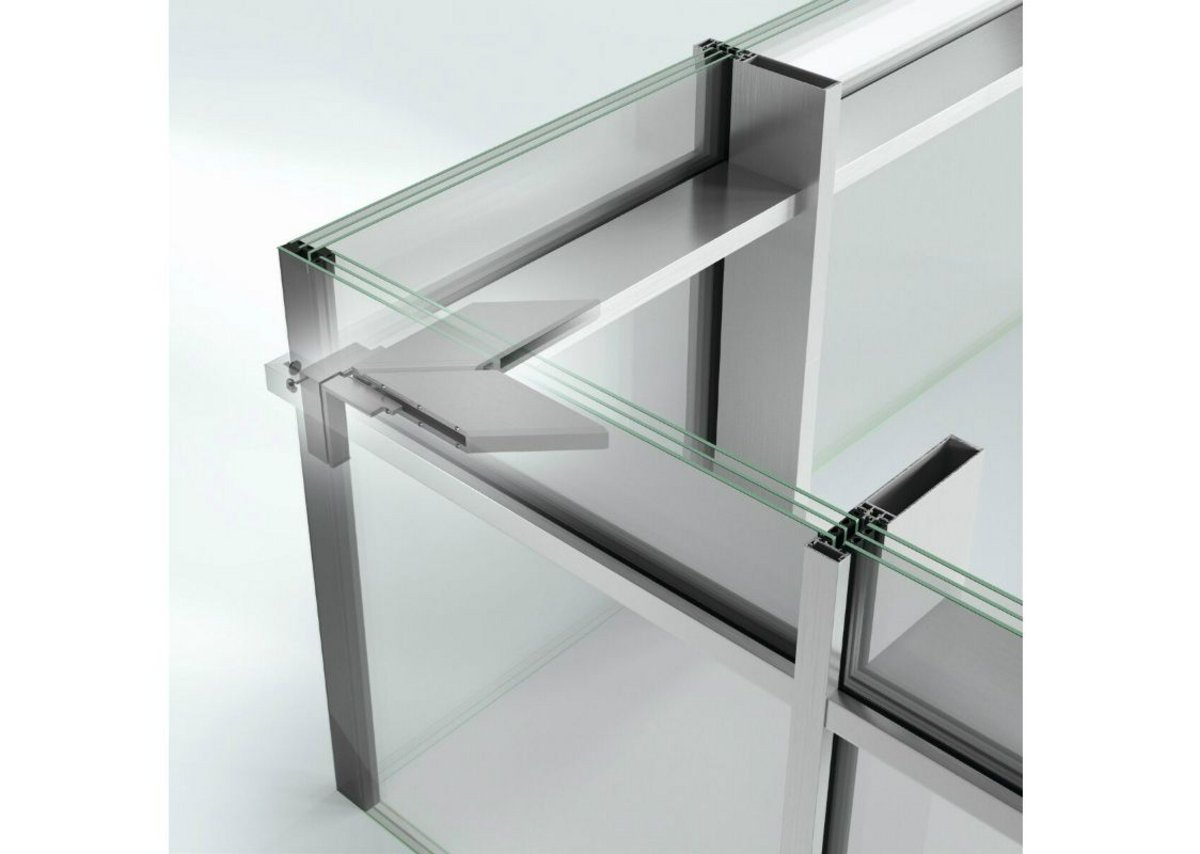 The absence of vertical mullion profiles in corner areas results in maximum transparency.