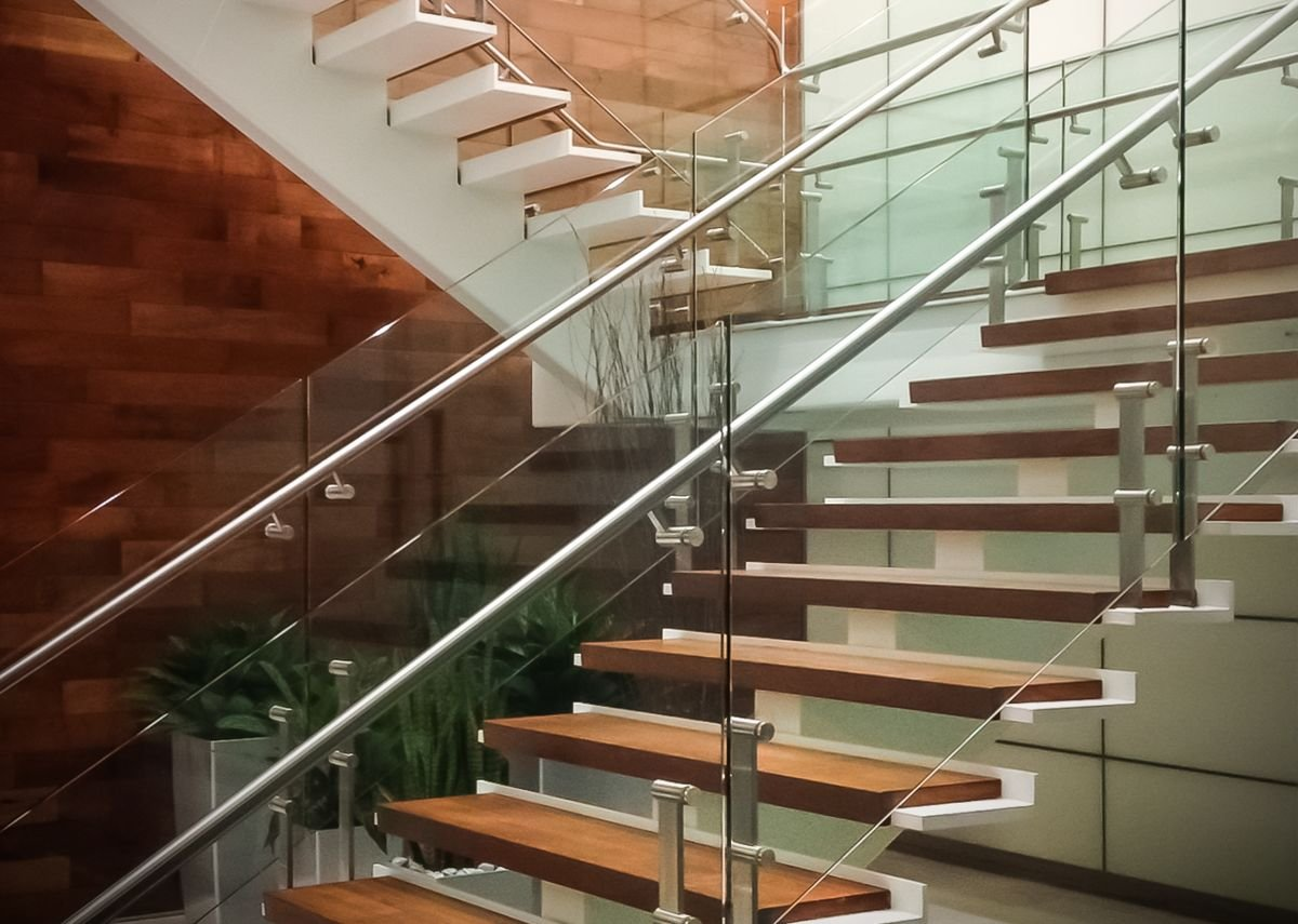 HDI Railing Systems' Kubit balustrade features elliptical posts that hide all connections.