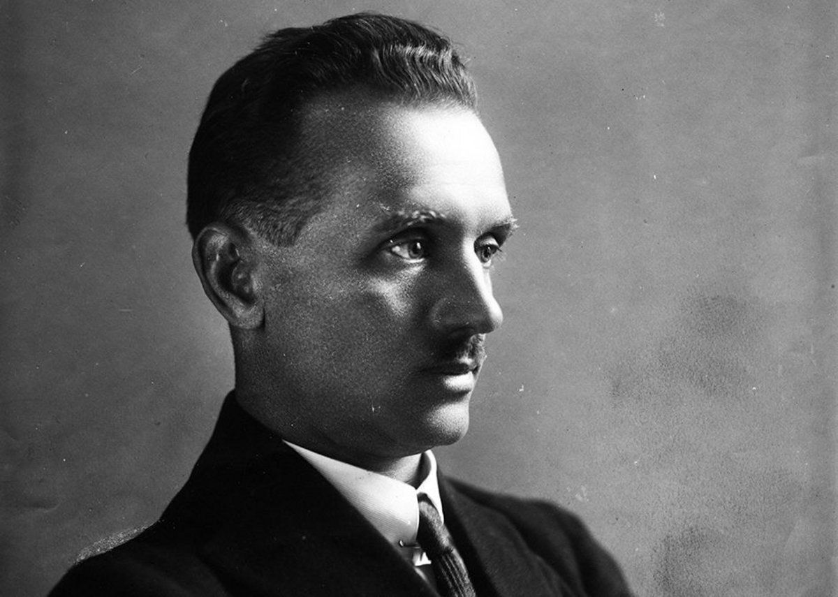 Portrait of Konstantin Melnikov, 1929.