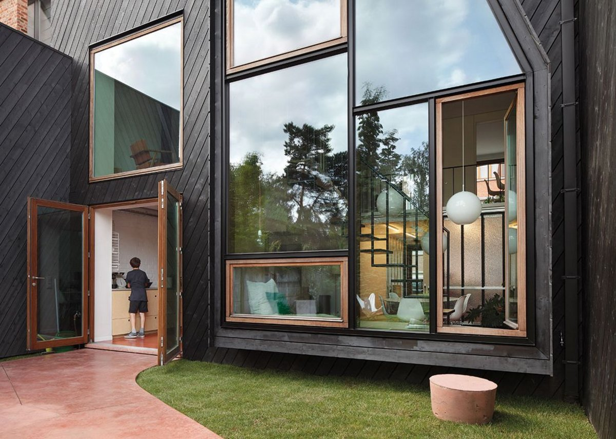 IRO external cladding, Charcoal, private house.