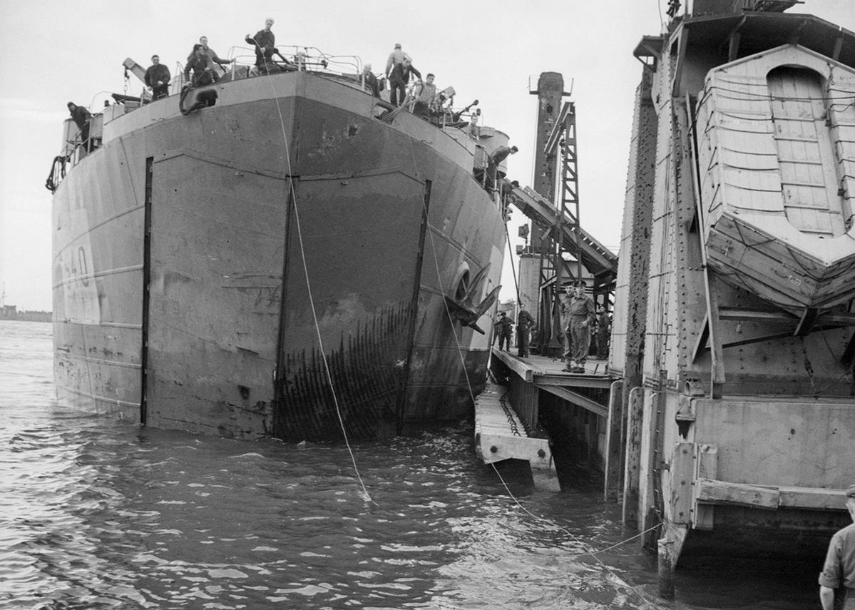 Ship docked at Mulberry harbour (1944).