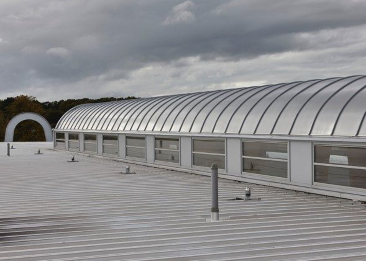 The Velux Commercial polycarbonate rooflight system with aluminium profiles creates made-to-measure daylighting solutions.