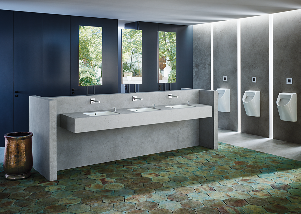 Hygienically optimised products for reassuringly clean workplace washrooms.