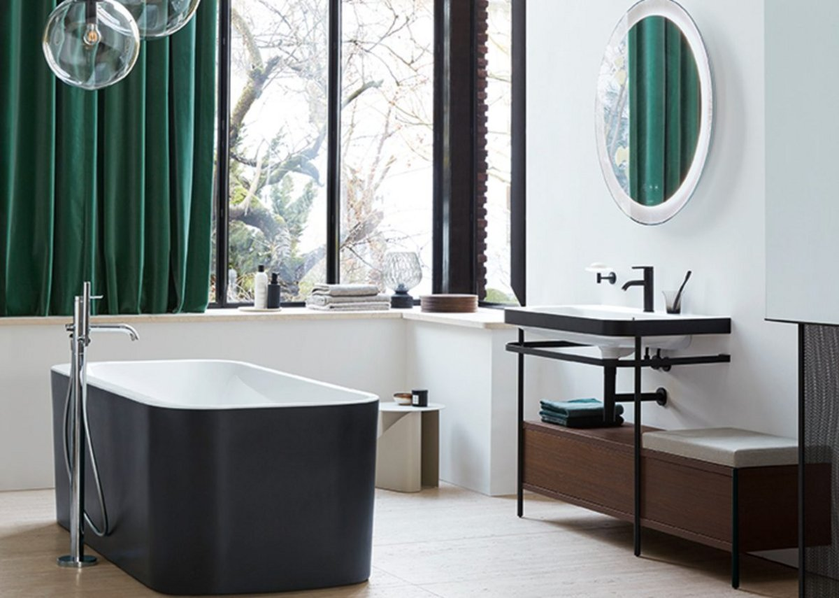 Happy D.2 Plus bathtub in Graphite Super Matt, C-bonded vanity unit and metal console in Black Matt, furniture unit in Brushed Walnut, mirror in Radial finish and C.1 taps.
