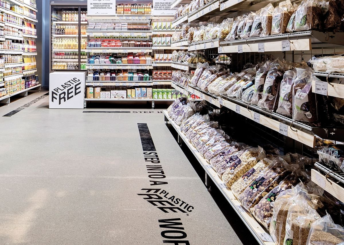Plastic-free aisle, trialed in Amsterdam by Ekoplaza supermarket and designed by A Plastic Planet and Made Thought.